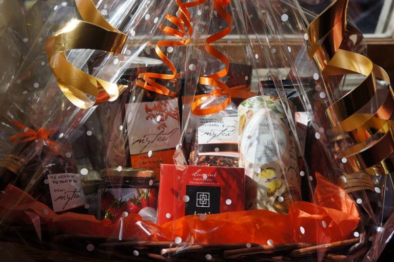 cesta de regalo mytea para navidad